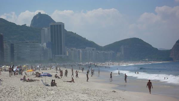 Leblon/Ipanema Beach - Rio de Janeiro, Brazil (2007). Copyright © 2007 Alex Emes